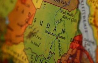 Sudan'da bakanların çoğu ve valilerin tamamı değiştirildi