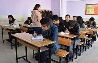 Öğrencilerin hayali 'zorunlu ders saatlerinin azaltılması'