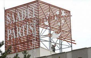 Saadet Partisi genel merkez binası için kampanya...