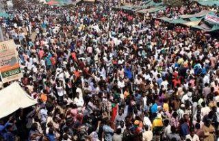 Sudan'da 'yumuşak geçiş' darbesi