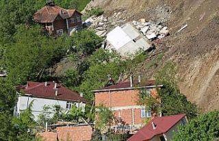 Bakan Kurum: Ordu'daki heyelanda yıkılan konutların...