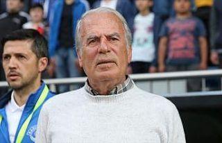 Mustafa Denizli İran'ın Traktör Sazi takımıyla...