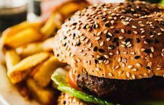 Uzmanlar yaz tatili için ebeveynleri 'obeziteye'...