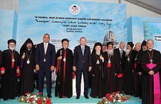 'Kilisenin temel atma töreni Yunanistan'a örnek...
