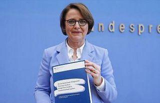 Almanya Uyum Bakanı Widmann-Mauz: Müslüman düşmanlığı...