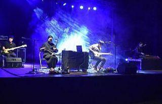 Güney Koreli rock grubu Türkiye'ye gelmekten memnun