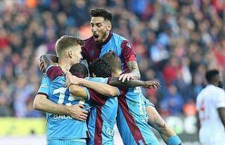 Trabzonspor'un 298 haftalık liderlik hasreti sona...