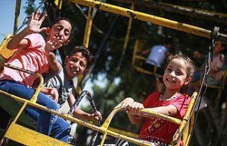 Gazze'de zor koşullara rağmen bayram sevinci...