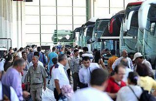 Karantinada olması gereken kişi otobüs terminalinde...