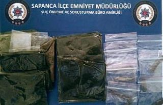 Sakarya'da uyuşturucu operasyonunda 2 yabancı uyruklu...