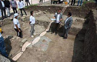 """Kazıda rastlanan iskeletin """"Batı Anadolu'nun..."""