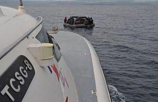 Türk kara sularına itilen 35 sığınmacı kurtarıldı