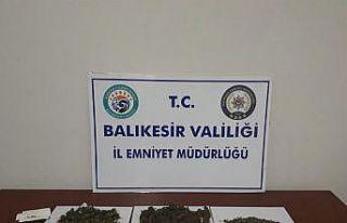 Balıkesir'de uyuşturucu operasyonlarında 2...