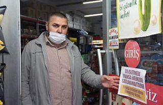 Bursa'da bir grup esnaf Fransız ürünlerini...