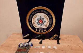 Bursa'da uyuşturucu operasyonunda yakalanan...