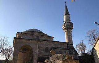 Edirne'de tarihi camiye zarar vermeye çalışan...