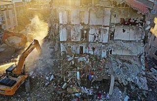 İzmir'deki depremde yıkılan binalarla ilgili...