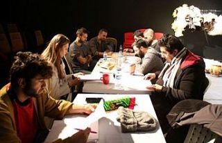 Kocaeli'de 2 oyun sanatseverlerle buluşacak
