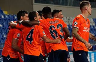 Medipol Başakşehir-Manchester United maçının...