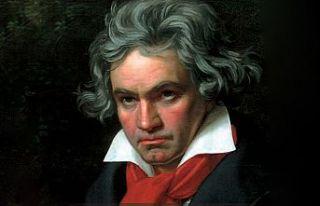 Ünlü besteci Beethoven 250. doğum gününde sempozyumla...