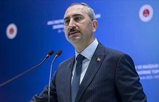 Adalet Bakanı Gül: Adalet bakanının hakim, savcı...