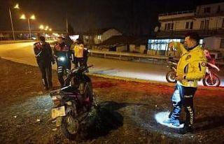 """Polisin """"dur"""" ihtarına uymayan motosiklet sürücüsü..."""