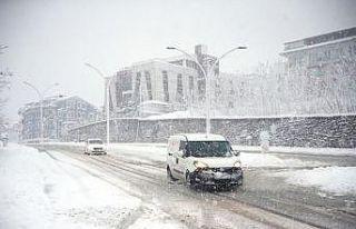 Doğu Marmara ve Batı Karadeniz'de kar yağışı...