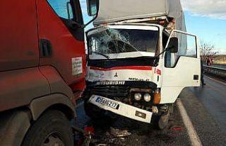 Kırklareli'nde zincirleme trafik kazasında 2 kişi...