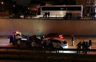 D-100 Karayolundaki trafik kazası nedeniyle uzun...