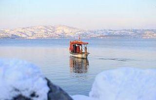 Sakarya'da kar yağışıyla Sapanca Gölü ve...