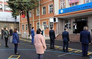 Trakya'daki okullarda bayrak töreni yapıldı