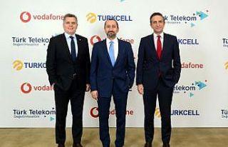 Turkcell, Türk Telekom ve Vodafone yerli uygulamalar...