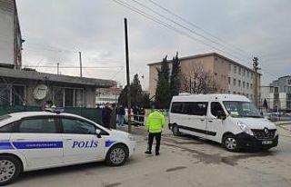 Bursa'da bir kişinin tabancayla vurulma anı...