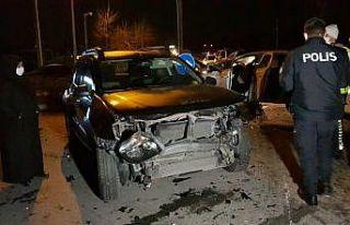 Kocaeli'de zincirleme trafik kazasında 4 kişi...