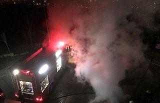 Kocaeli'de otomobilde çıkan yangın söndürüldü