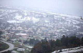 Trakya'da nisanda kar yağdı