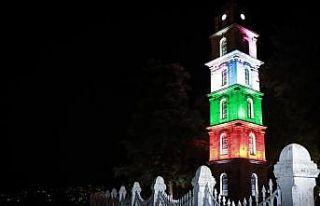 Bursa'nın tarihi Tophane Saat Kulesi Filistin bayrağı...