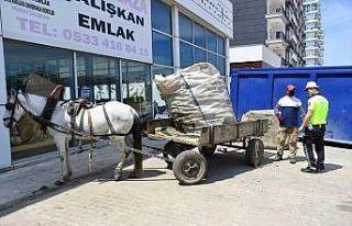 Edirne'de at arabasıyla çarpışan motosikletli...
