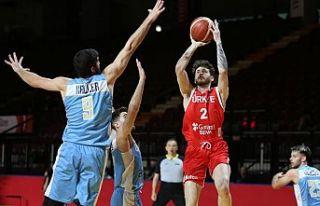 A Milli Erkek Basketbol Takımı, Uruguay'ı...