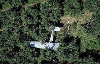 Bursa'da eğitim uçağı meyve bahçesine acil...