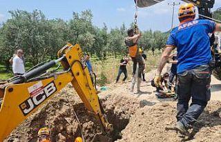 Bursa'da kazı çalışmasında toprak kayması...