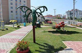 Edirne'de atık malzemelerden yapılan figürlerin...