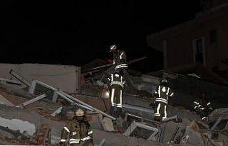 Sarıyer'de 11 katlı boş bina çöktü, park...