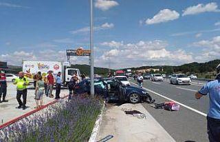 Balıkesir'de iki otomobil çarpıştı: 1 ölü,...