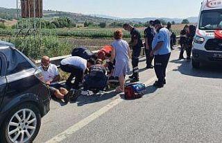 Balıkesir'de otomobil ile traktör çarpıştı:...