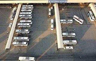 Bursa Şehirlerarası Otobüs Terminali'nde bayram...