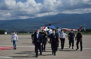 Kocaeli Valisi Yavuz, kentteki bayram trafiğini havadan...