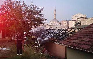 Kocaeli'de bir evde çıkan yangın söndürüldü