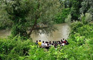 Sakarya Nehri'nde kaybolan gencin cansız bedenine...