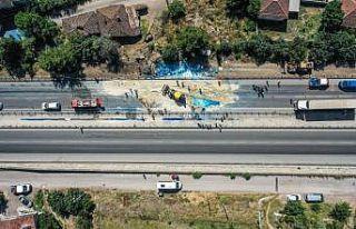 Bursa'da iki tırın çarpıştığı kazada bir kişi...